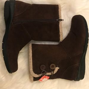 Clarks brown leather ankle boots size 5.5 NWT